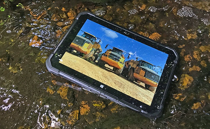 MJC-100 Rugged Windows Tablet in Water