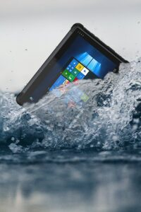 UR-100 ip67 waterproof tablet pc being submerged in water to show IP rating