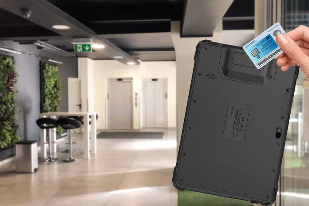 RFID reader integrated into a rugged tablet pc